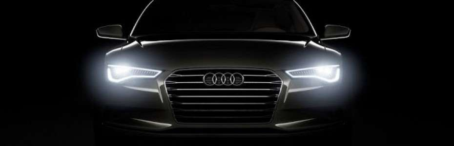 Audi-A7-Headlights-Black-Car-Wallpapers-1024x768-930x300